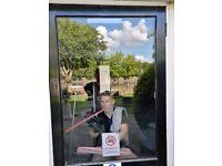 WINDOW CLEANER PUTNEY, WANDSWORTH, CLAPHAM