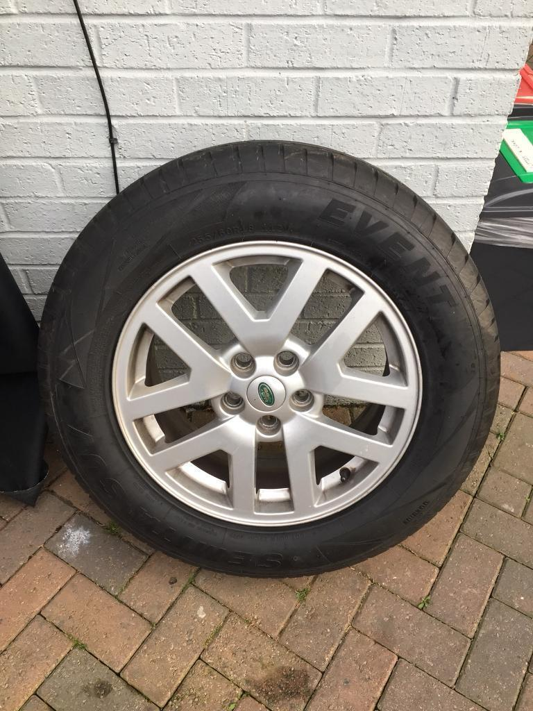 """Set of 18"""" alloys off discovery 3."""