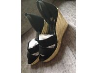 Black and gold wedges