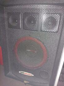 Pair of Gem sound speakers 400watts working with slight damage