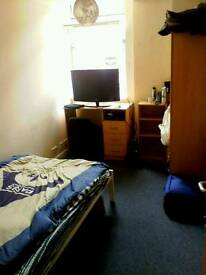 Splendid double room in Bristol city centre BS1 1SE available NOW