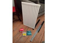 Small radiator (700x400) with bracket and fittings