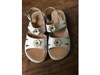 Ladies Sandals 5 White