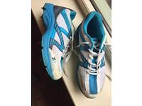 Cricket shoes size 7