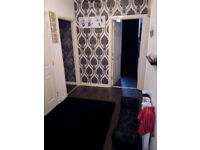 Unfurnished Spacious 2 bedroom flat for rent East End Glasgow with secure parking