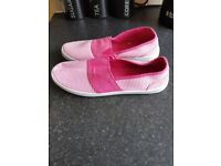 Size 5 Miss Fiori pink and white pumps