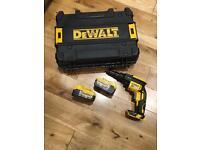 New Dewalt DCF622 TEK & Drywall screw gun with case and two 5Ah li-lon battery's
