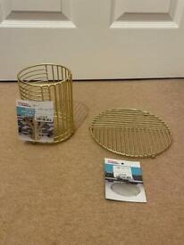Utensil Basket and Trivet Set