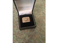 Gold diamond gents ring
