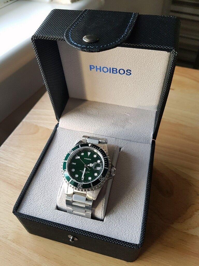Phoibos PX002A 300M Dive Watch Swiss Quartz Green