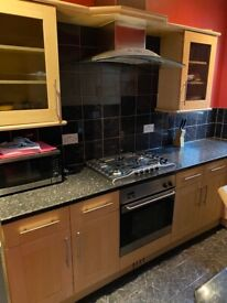 Spacious 3 bed flat in sevenking part dss welcome