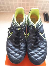 Football Boots Nike Tiempo Genio size 5 1/2