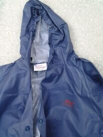 Waterproof suit for child aged between 2 -3.