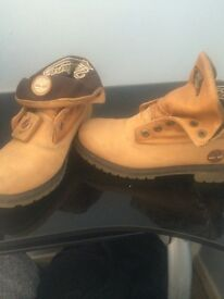 Women's size 6 timberland boots no laces