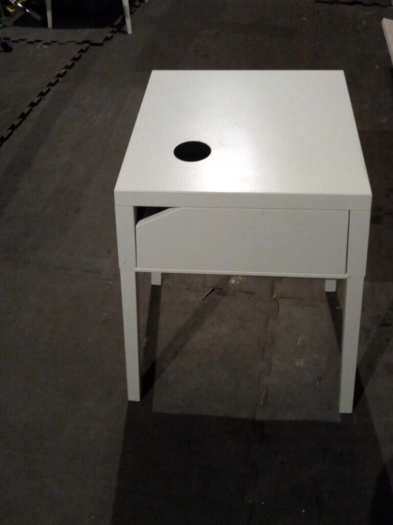Picture of: Ikea White Metal Bedside Table In Coulsdon London Gumtree