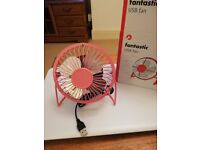 Small USB Fan -new and unused.