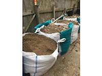 Free top soil / rubble