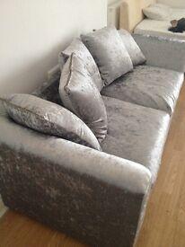 Low deposit furnished/ new furnishings studio to let