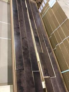 """Plancher meriser 3 1/4"""" couleur walnut 2.75$/pc"""