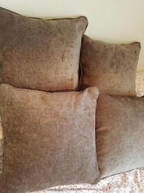4 square cushions