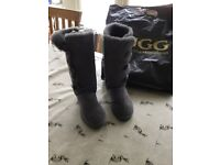 Brand new size 6 Bailey Uggs