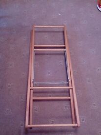 Moses basket with foldable stand