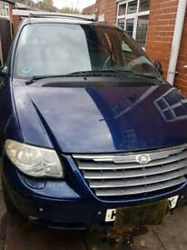 Chrysler grand voyager breaking for parts. Non stow n go version.