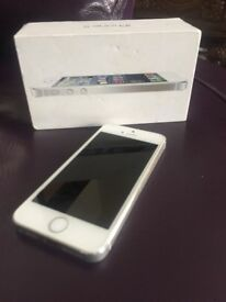 iPhone 5s 16gb unlocked to any network £120.00