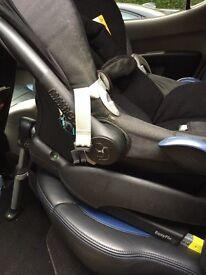 Maxi-Cosi baby car seat with ISOFIX base