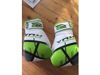 Rdx 12 oz Glove