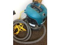 Makita Wet and Dry 110v Hoover