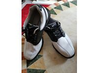 Mens Nike Golf Shoes, Size 8, used very good condition