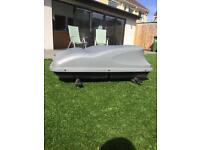Roof box and bars