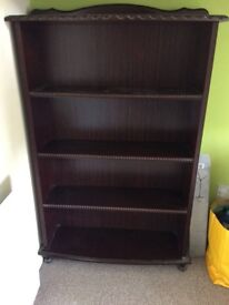 Wooden bookcase, shelves in good condition. Priced to sell. Up cycling project