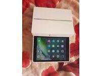 iPad air 2 16GB, WiFi & 4G, Locked to VodaFone