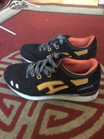 Mens shoes size 7 like new only £15