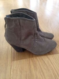 Size 5 Brown Ankle Boots NewLook
