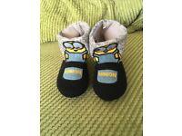 Children's minion slipper boots