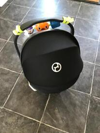 Cybex Aton car seat and iso fix base
