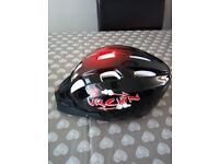 Urchin helmet for pedal cyclist, skateboarders and rollerskaters, nearly new used twice