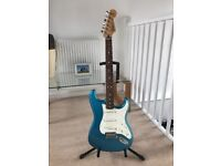 Fender Standard Stratocaster RN Lake Placid Blue + Fender Tweed Hard Case -2016 and like new