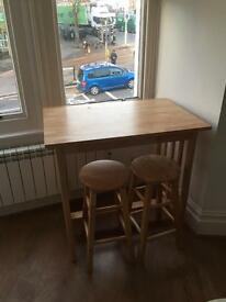 Desk with 2 stalls £20