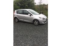 Renault Scenic in Great Condition, silver with Bluetooth connectivity, interior in great condition!