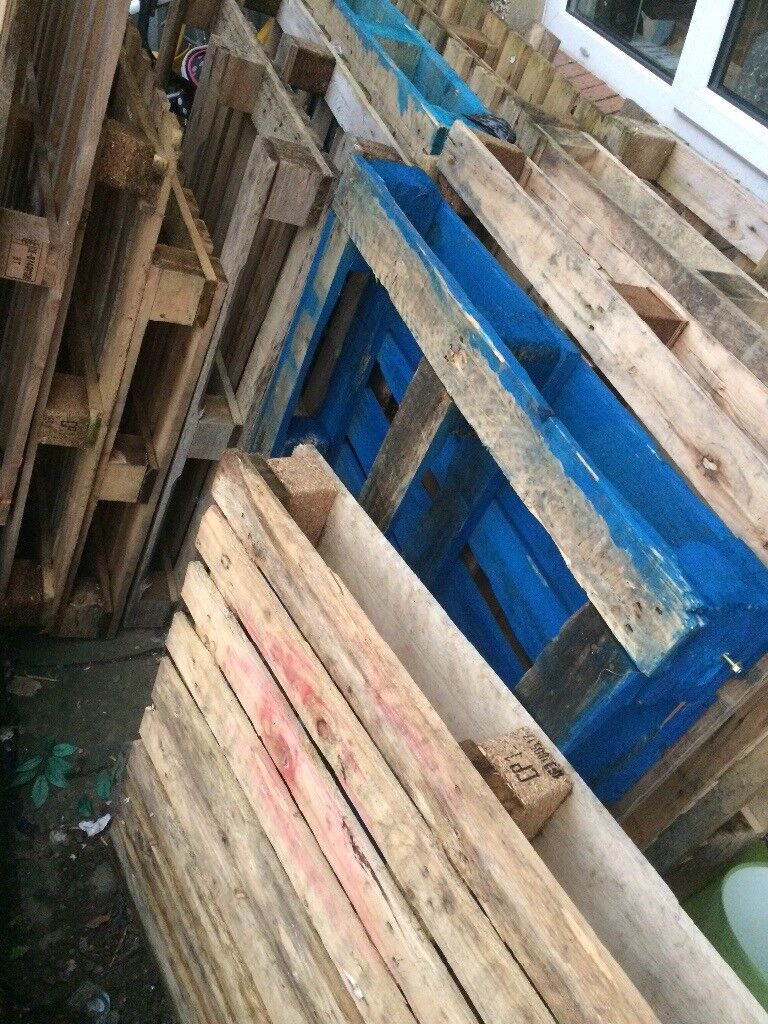 Wooden pallets, job lot good condition **FREE**