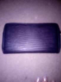 Black purse like new