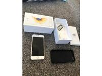 iPhone 6s 16gb in gold. Immaculate condition on o2