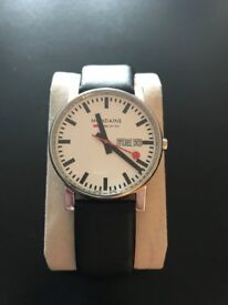 Mondaine Men's Swiss Quartz Watch with White Dial Analogue Display and Black Leather Strap