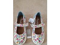 Girls mary jane shoes from Next - Size 9