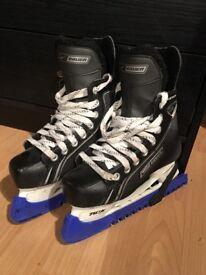 Boys Bauer ice skates size 3r