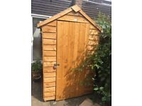 Garden shed almost new